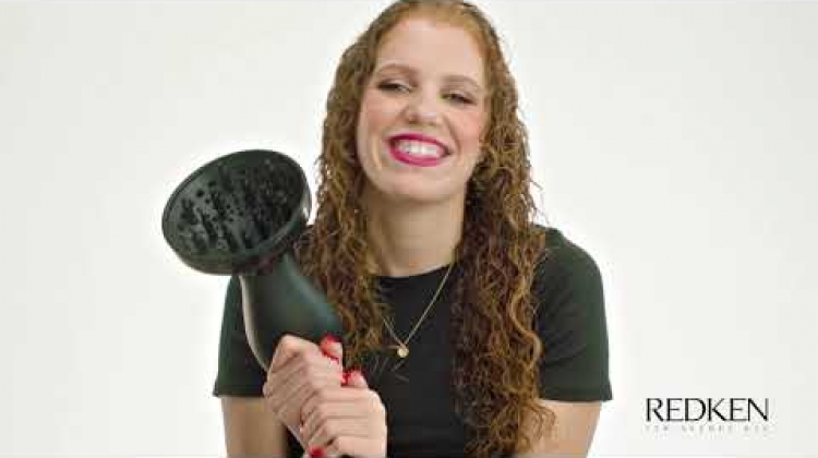 How to Tame Frizzy Hair with MahoganyLox Using Redken Frizz Dismiss